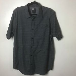 O'Neill gray plaid s/s button up shirt. Large